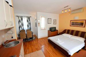 Novalja Apartment Wohn-Schlaf-Kueche