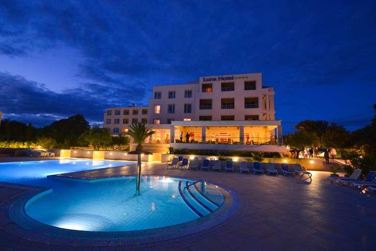 Hotel La Luna Novalja - Pools bei Nacht