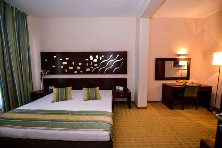 Hotel La Luna Novalja Apartment Schlafzimmer