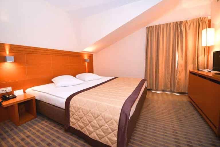 Hotel La Luna Novalja Suite Schlafzimmer