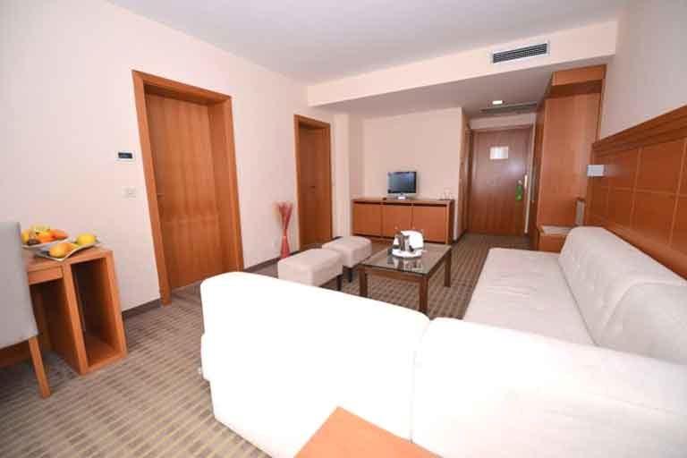 Hotel La Luna Novalja Suite Wohnzimmer