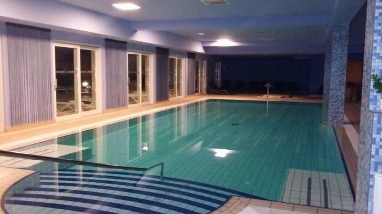 Hotel La Luna Novalja - Hallenbad im Wellnessbereich