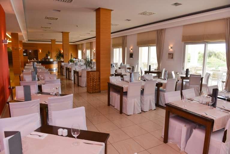 Hotel La Luna Restaurant Oleaster