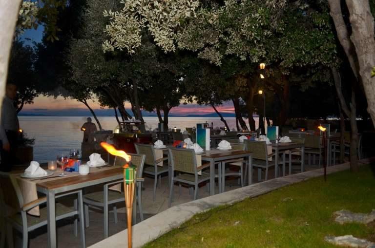 Hotel La Luna Restaurant draussen