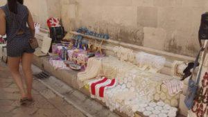 Handarbeit in der Altstadt von Zadar